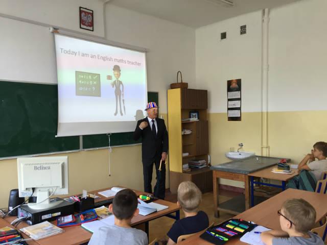 Przeglądasz zdjęcia z artykułu: Nauczanie dwujęzyczne